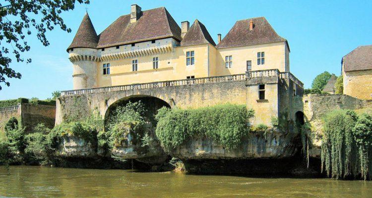 canoë kayak Vézère chateau_de_losse dordogne